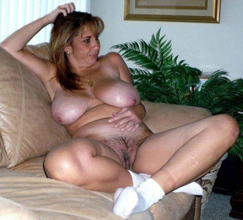 Ich bin eine sexgeile MILF und suche private Sexkontakte